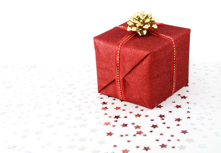 1024px-Red_Christmas_present_on_white_background